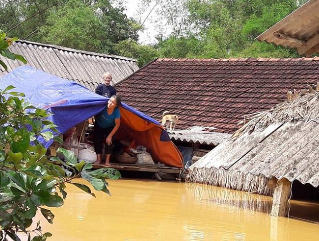 Sinh trắc vân tay Bình Dương cứu trợ khẩn cấp 3 tỉnh miền trung bị lũ lụt